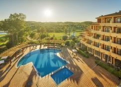 Hotel Ilunion Golf Badajoz - Badajoz - Piscine