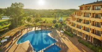 Hotel Ilunion Golf Badajoz - Бадахос