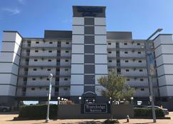Travelodge by Wyndham Suites Virginia Beach Oceanfront - Virginia Beach - Building