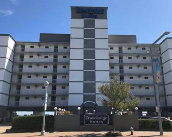 Travelodge by Wyndham Suites Virginia Beach Oceanfront - Virginia Beach - Building