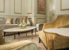 Hotel Le Narcisse Blanc & Spa - Paris - Wohnzimmer