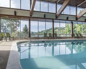 Hidden Valley Resort Ascend Hotel Collection - Huntsville - Басейн