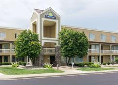 Days Inn by Wyndham Florence Cincinnati Area - Florence - Building