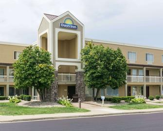 Days Inn by Wyndham Florence Cincinnati Area - Florence - Building