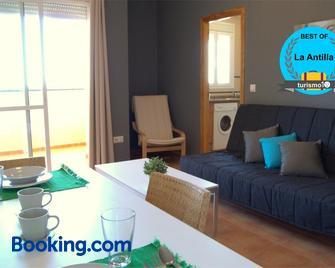 Apartamentos Beslow La Antilla - La Antilla - Wohnzimmer