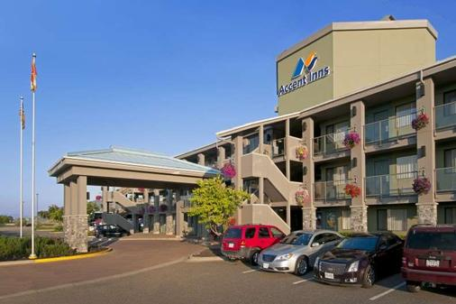 Accent Inns Kamloops - Kamloops - Building
