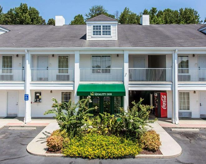 Quality Inn - Conyers - Building