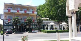 Ai Platani Hotel Moderno - Bolsena - Edificio
