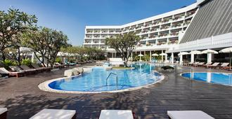 The Cha-am Methavalai Hotel - Cha-am - Bể bơi