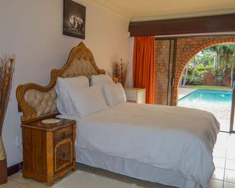 Emangunini Bed & Breakfast - Richards Bay - Bedroom