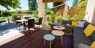 Best Western Aurelia - Maussane-les-Alpilles - Patio