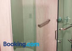 Hotel Ht Ole - Tijuana - Bathroom