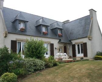 Chambres d'Hôtes du Theven - Saint-Pol-de-Léon - Building