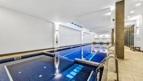 Pegasus Apart'hotel - Melbourne - Bể bơi