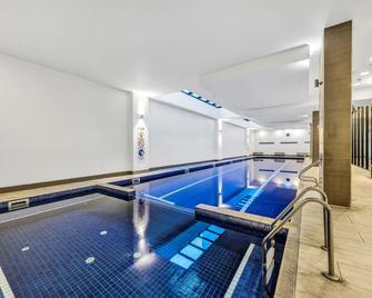 Pegasus Apart'hotel - Melbourne - Piscina