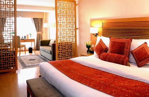 Park Lane Hotel - Lahore - Bedroom