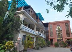 Green Land Motel - Nyaung-U - Building