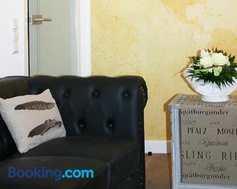 Apartment Königstrasse - Bad Bergzabern - Living room