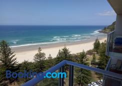 Pacific Regis Apartments - Burleigh Heads - Balcony