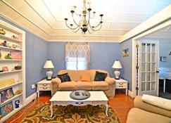 Historic Apt in Heart of Christiansted - Christiansted - Sala de estar