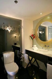 The Luxe Manor - Hong Kong - Bathroom