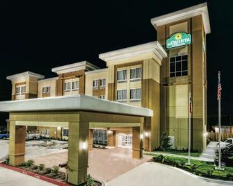 La Quinta Inn & Suites by Wyndham Victoria - South - Victoria - Gebäude