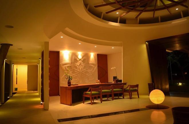 Svarga Resort Lombok - Senggigi - Hành lang