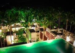 Svarga Resort Lombok - Senggigi - Bể bơi