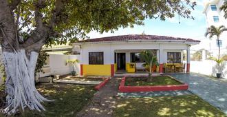 Villa Sarie Bay - San Andrés - Building
