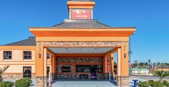 Econo Lodge Inn & Suites - Macon