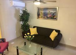 Nice apartment Zona Dorada! - Mazatlán - Living room