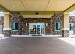 Comfort Inn & Suites - Valdosta - Building