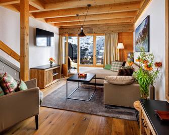 Eiger Mürren Swiss Quality Hotel - Lauterbrunnen - Wohnzimmer