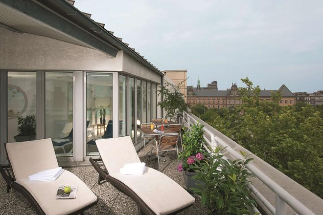 NH Collection Hamburg City - Hamburg - Balcony