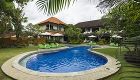 Bali Wirasana Inn - Denpasar - Bể bơi