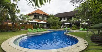 Bali Wirasana Inn - Denpasar - Piscina