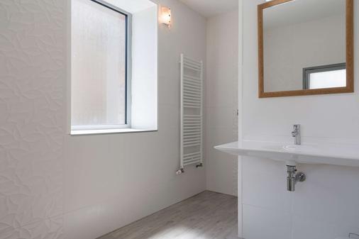 The Originals Boutique, Hôtel de Perros (Inter-Hotel) - Perros-Guirec - Bathroom