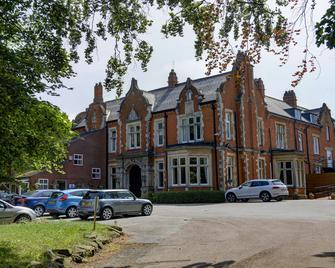 Best Western Grimsby Oaklands Hall Hotel - Grimsby - Building