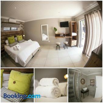 Touching Senses Garden Cottages - Bloemfontein - Bedroom
