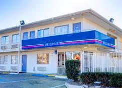Motel 6 Murfreesboro TN - Murfreesboro - Gebouw