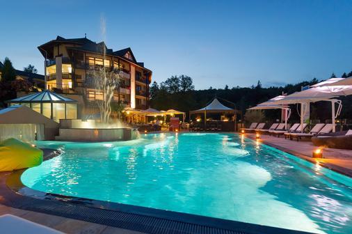 Romantischer Winkel Spa & Wellness Resort - Бад-Закса - Бассейн