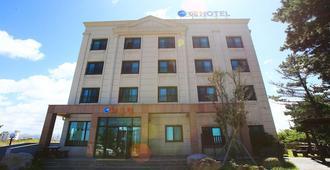 Hae Hotel Jeju - Jeju City