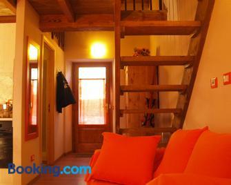 Il Borgo Dei Celti - Fiumalbo - Living room