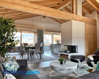 Ferienapartment Landhaus 4U Meiringen - Meiringen - Living room