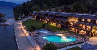 卡薩洛馬湖濱度假村 - 西基洛納 - 基洛納 - 游泳池