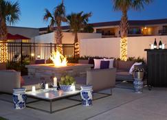 TownePlace Suites by Marriott Galveston Island - Galveston - Binnenhof