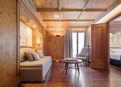 Faloria Mountain Spa Resort - Cortina d'Ampezzo - Living room