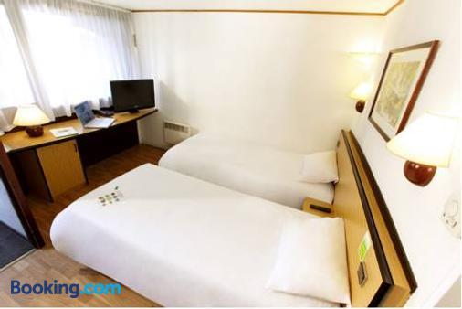 Campanile Hotel 's-Hertogenbosch - 's-Hertogenbosch - Bedroom
