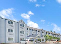 Days Inn by Wyndham Sturbridge - Sturbridge - Rakennus