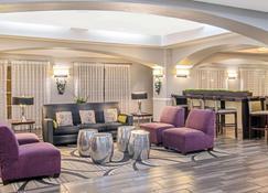 La Quinta Inn & Suites by Wyndham San Antonio Airport - San Antonio - Lounge